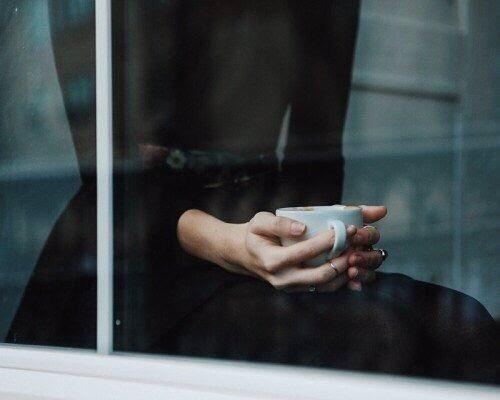 Заметить _ _ _ _ _ _ _ _ _ _ _ _ _ _ _ _ _ _ _ _ _ _ _ _ _ _ _ _ _ _ _ _ _ _ _ _ _ _ _ _ _ Даже самым промозглым осенним утром, Выпив кофе бодрящего чашку