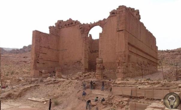 Под руинами Петры найдены монументальные сооружения