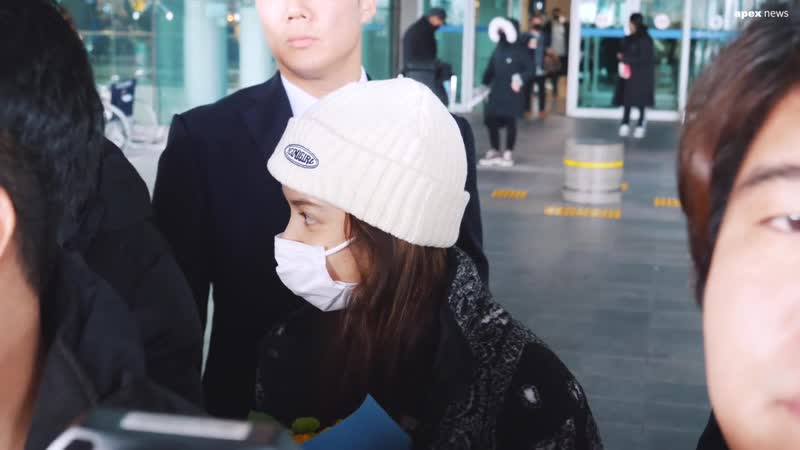 200124 LISA @ Incheon airport Korea from China смотреть онлайн без регистрации