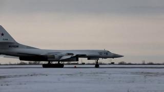 Полеты стратегических бомбардировщиков Ту-160 в Саратовской области