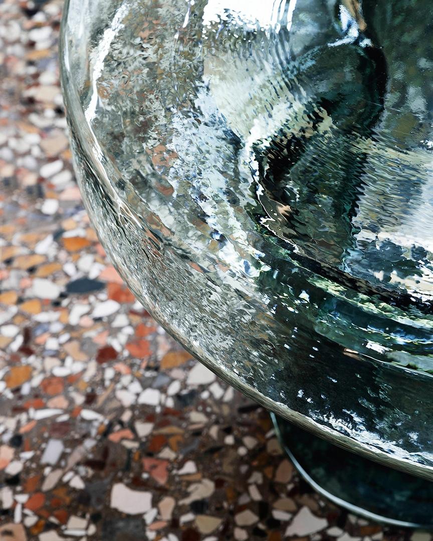 Тренды 2020/2021: стеклянные столы Янниса Гикаса, изображение №4