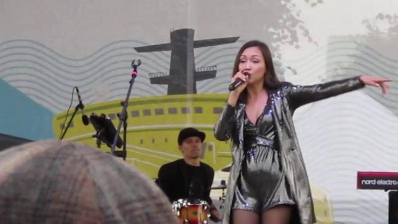 Фестиваль ледоколов 2020 СПБ концерт на главной сцене перепев песни группы Звери