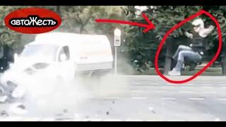 ДТП, мотоциклист влетел в Газель на перекрестке   автоЖесть [22]