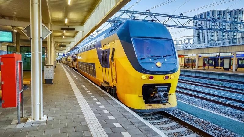 4K Cab Ride NL Sunrise Amsterdam CS - Haarlem - Roosendaal IC 2220 15-12-2019