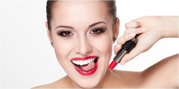Стать неотразимой в два счета: быстрые рецепты красоты Увлажнить кожу Наносить макияж (тем более праздничный) на стянутую, шелушащуюся кожу неблагодарный труд и настоящая мука. Лицу нужна