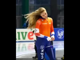 Чемпионка мира в конькобежном спорте