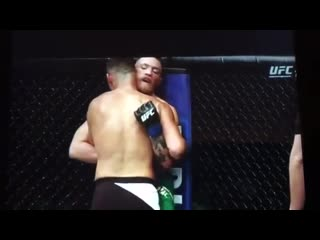 Nate Diaz Tells Conor Mcgregor's corner F your game plan and gives a middle fing (2)