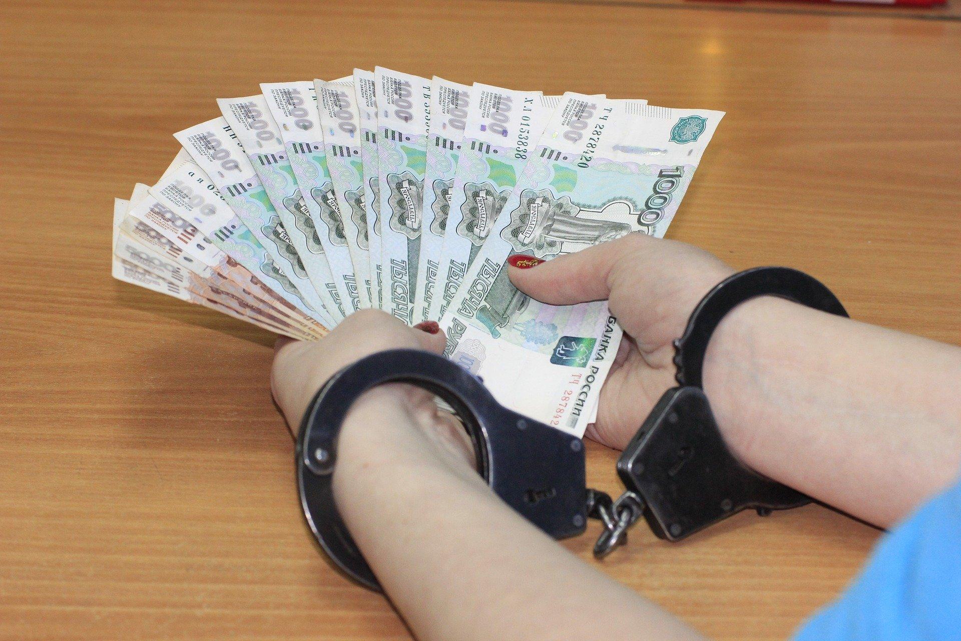В КЧР чиновницу уличили в махинациях с выплатой вдове ветерана