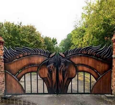 Шикарная идея для дачных ворот
