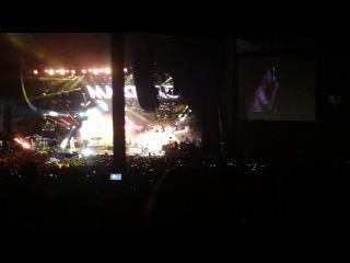 She moves like Jagger live топлесс Адам и золотое конфетттиии Крутейший концерт Maroon5 в VA Beach