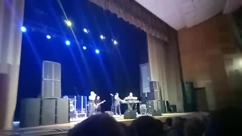 полный зал! Впервые в нашем городе, впервые на сцене ДК Губернаторский. группа Непара. Живой звук