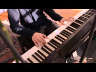 Aura Dione Friends on piano HD
