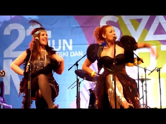 The Frajle i Momčilo Bajagić Vesela Pesma Dan muzike 2010 Beograd