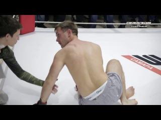 """Боксер с трех ударов заставил """"Мозгуна"""" задуматься..."""