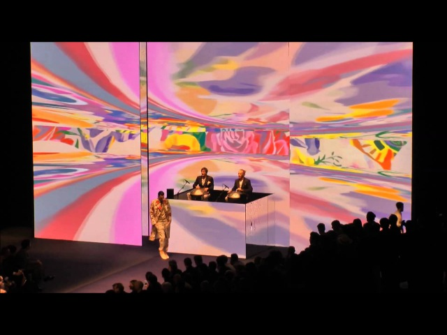 Hang Massive Streamcolors Video Art Live in Milan for ETRO