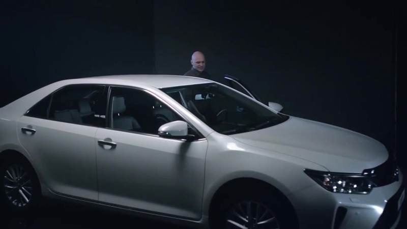 Toyota CAMRY в новом клипе группы Каста Успех без усилий