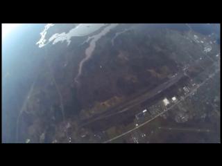 Skydivers land safely after plane crash