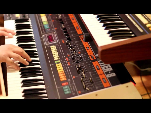 Christian - Jupiter-8, Juno-60, TR-707 electronica - 1980s style