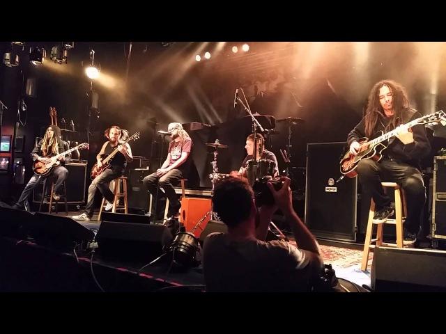 Korn Alone I Break Live Acoustic