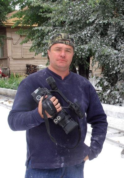 фото с суда олега спиридонова города омска плюсом этой модели