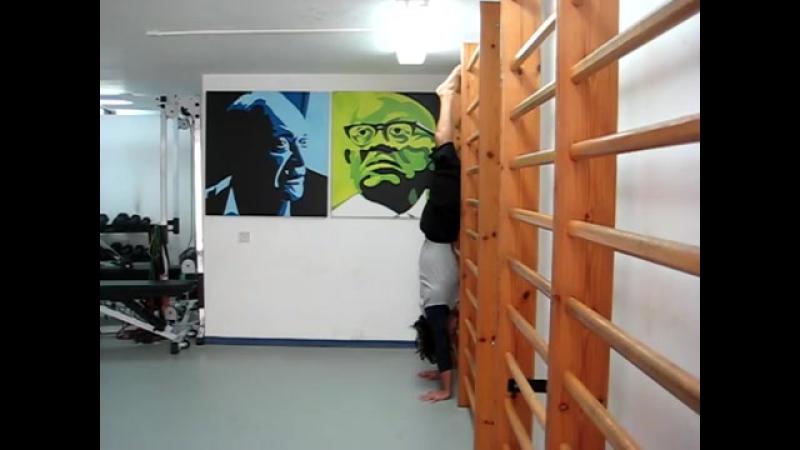 Handstand Body Line Wall Drill Стойка на руках Линейное упражнение у стены