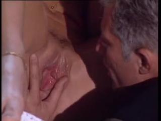 Maria Bellucci - Maria Bellucci fucks end with a foothob - justporno.sex
