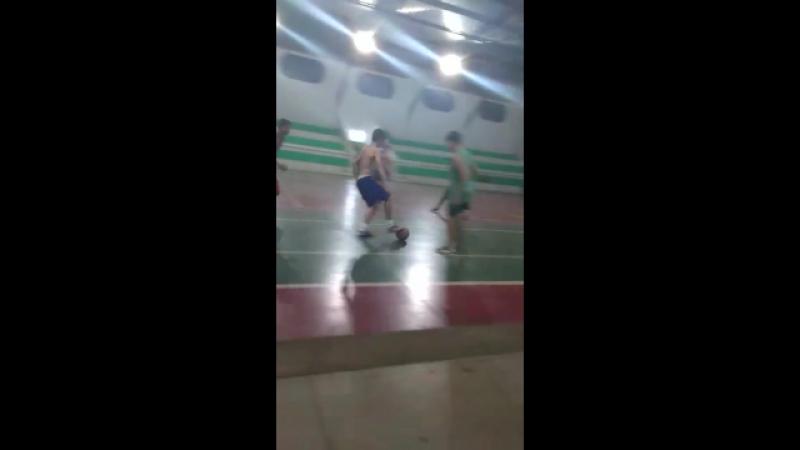 Pelada do CIEP no ginásio