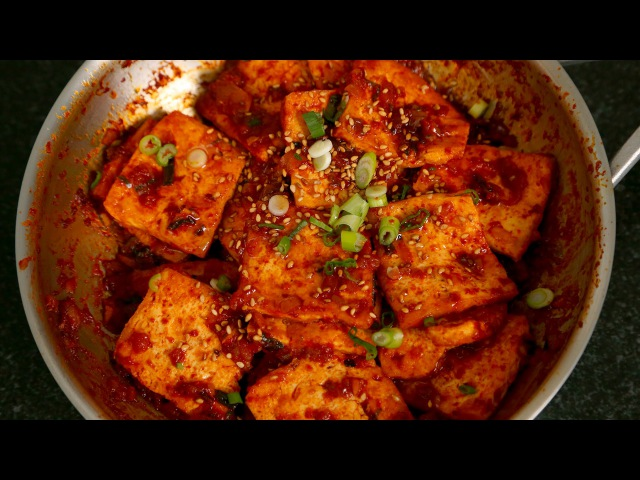 Spicy braised tofu Dubu jorim 두부조림