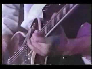 john sykes 爆音時のギターの弾き方!