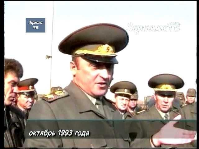 Октябрь 1993 г Москве Пейзаж после битвы в исполнении Павла Грачева Кинохроника