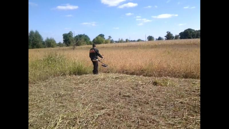 Косіння трави бензокосою