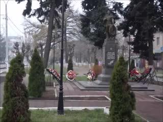 []Клип на песню В. Высоцкого На братских могилах не ставят крестов....mp4