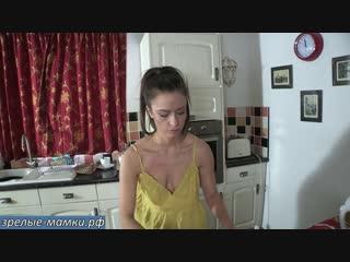 322_milf, mature, милф, мамки,секс,порно-Хозяйственная жена наводит порядок дома пока муж трахается на стороне с новой бабой