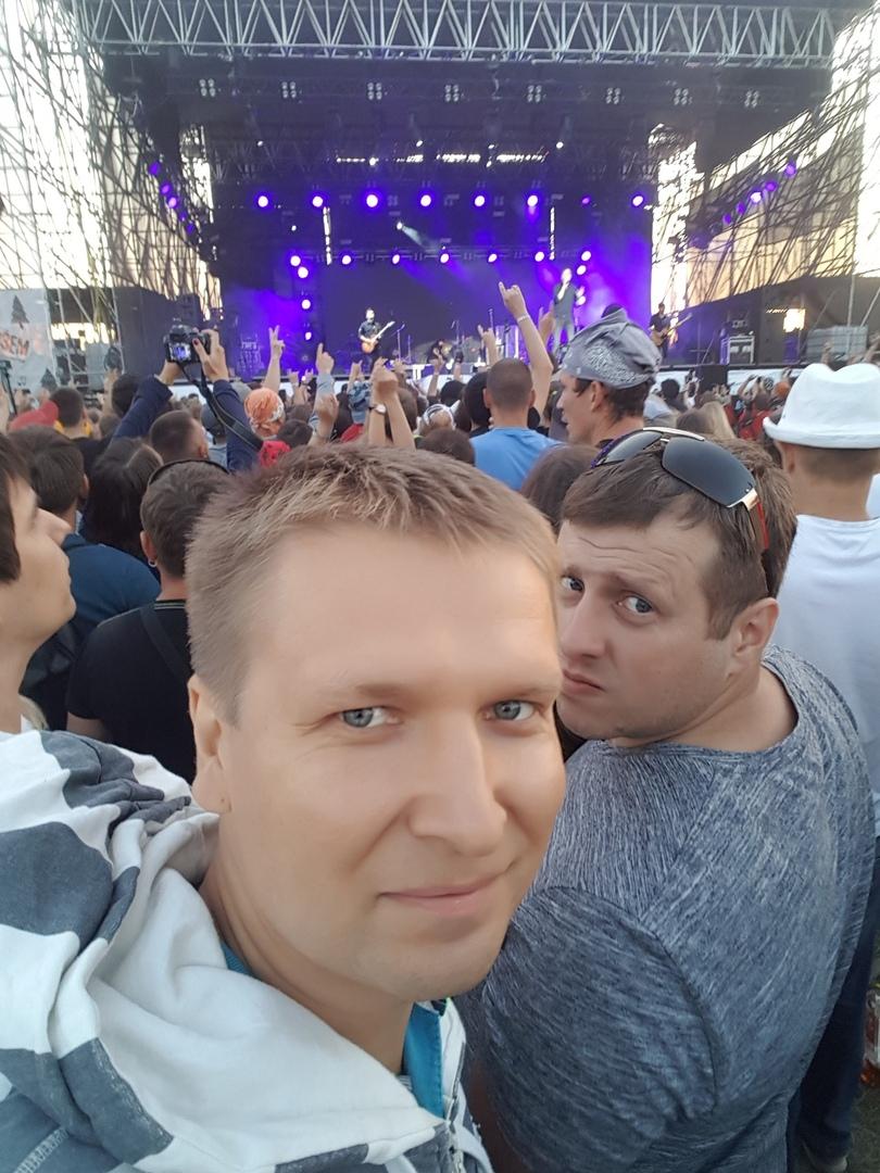 Игорь стрелков фото с семьей его еще