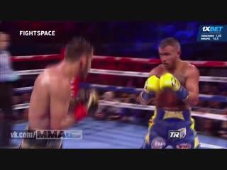 Контр-атака Линареса и первый нокдаун Василия Ломаченко в профессионалах