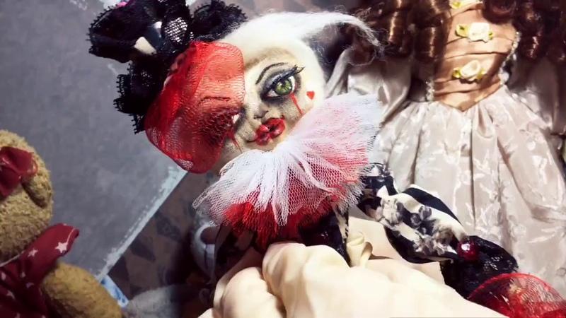 World Walkcat white clown