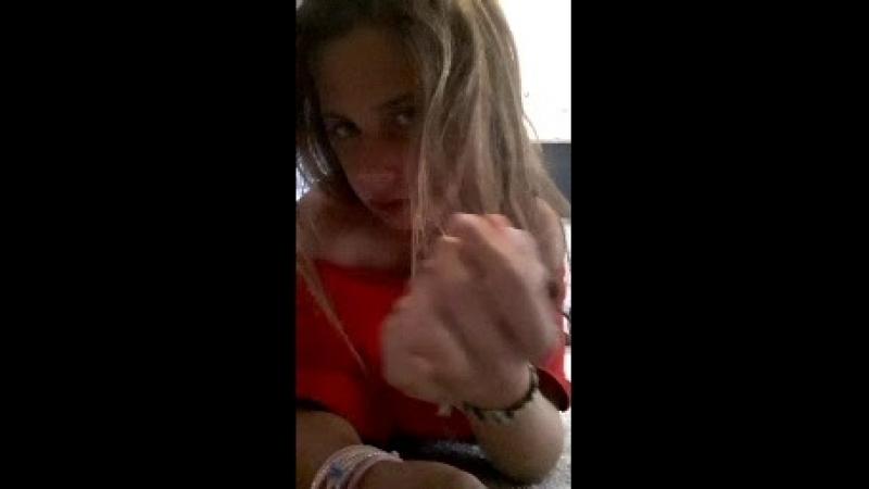 Видео Léa Sindres - Live смотреть онлайн