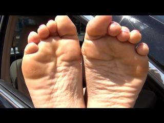 Canweseeyourfeet - 3 gorgeous girls get their feet tickled