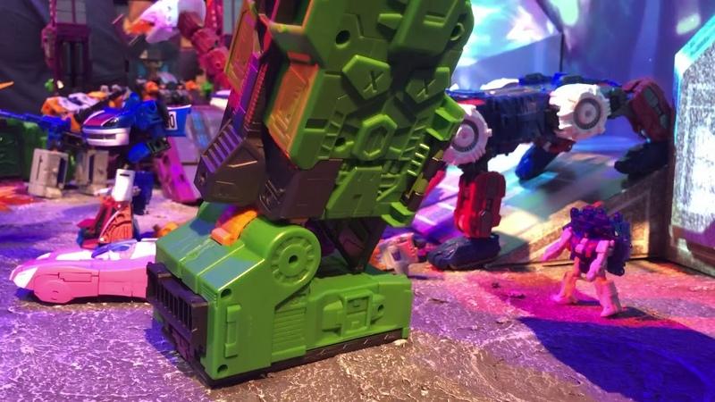 Transformers Earthrise Titan Scorponok Toy on display at Toyfair 2020