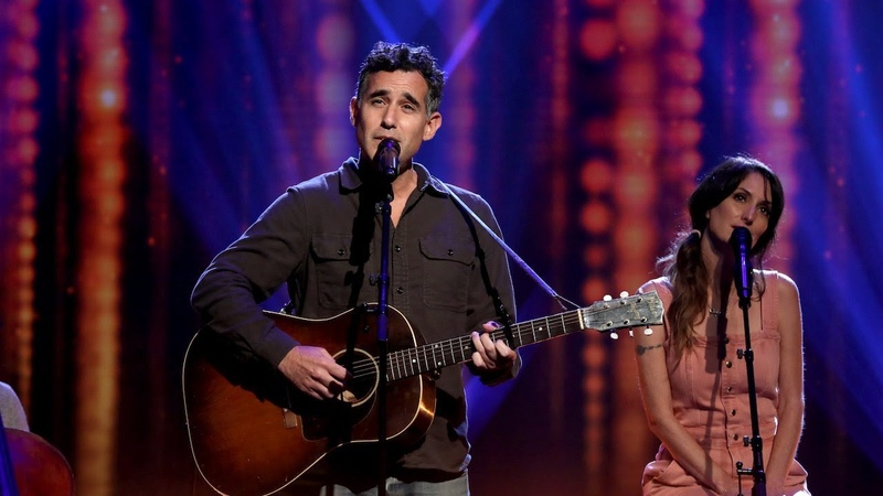 Joshua Radin Performs 'Here Right Now'