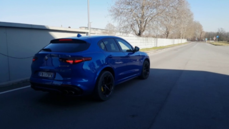 Alfa Romeo Stelvio Quadrifoglio 510HP accelerations, revs and drift!