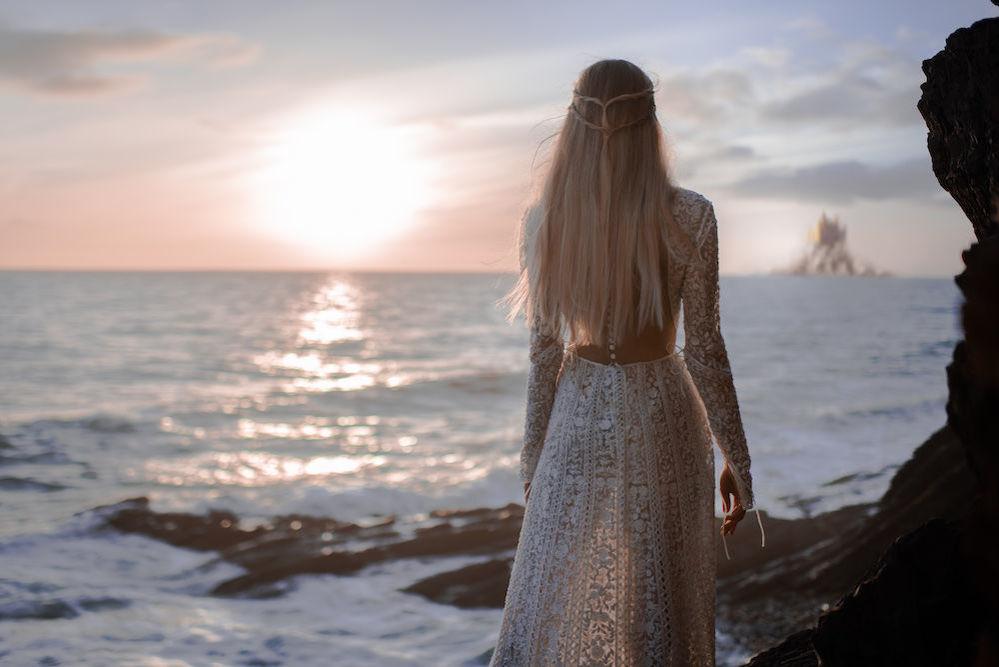 Фантастическая Коллекция платьев осень / зима 2019-2020 Paolo Sebastian «К востоку от солнца, к западу от луны»