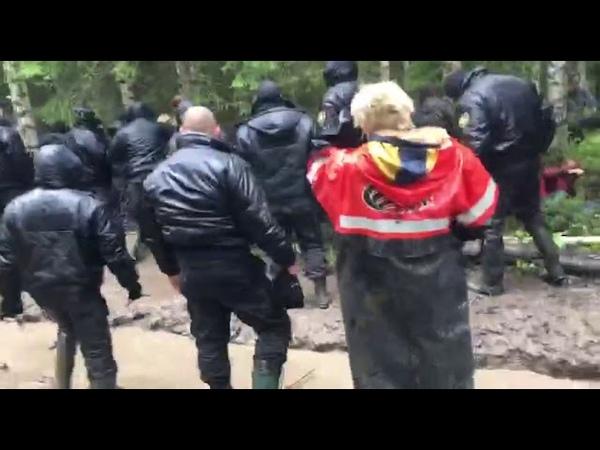 На Шиес ЧОПовцы избили до полусмерти защитника Земли РУСкой от мусорных ядов! Бумеранг возврат