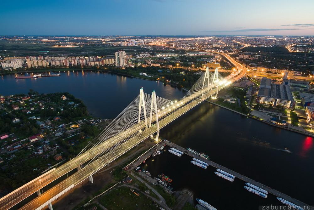 Большая зольная помойка в Невском районе беспокоит петербуржцев
