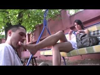 Miss tanya вылизывает грязные ноги фут-фетиш foot fetish licking dirty feet #footworship
