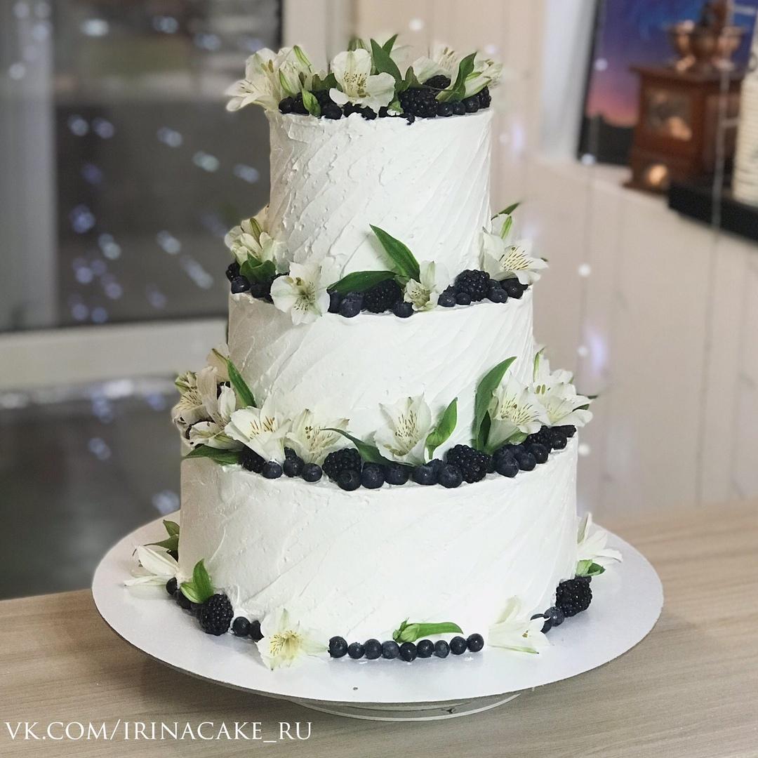Свадебный торт с живыми цветами (Арт. 510)