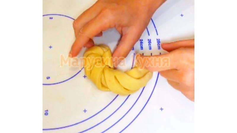 Невесомые булочки-спиральки. После первой рука тянется за второй.