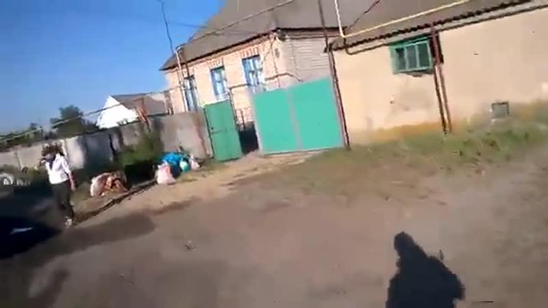 ЛНР станичники тикают из Макарово после обстрела 13 июня 2014 го