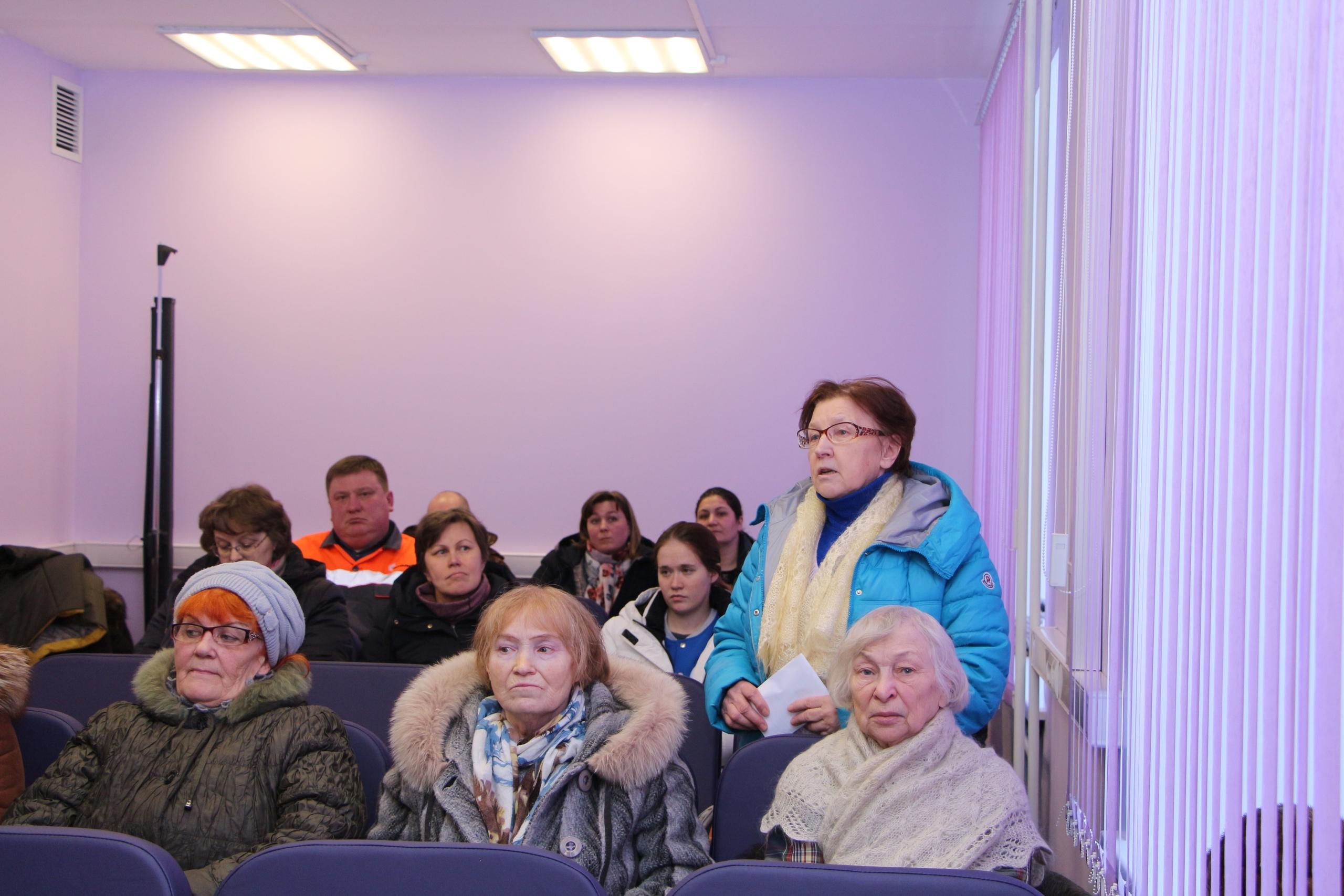 Руководитель администрации Николай Жилин провел встречу с жителями поселков Благоево, Солнечный и Чим