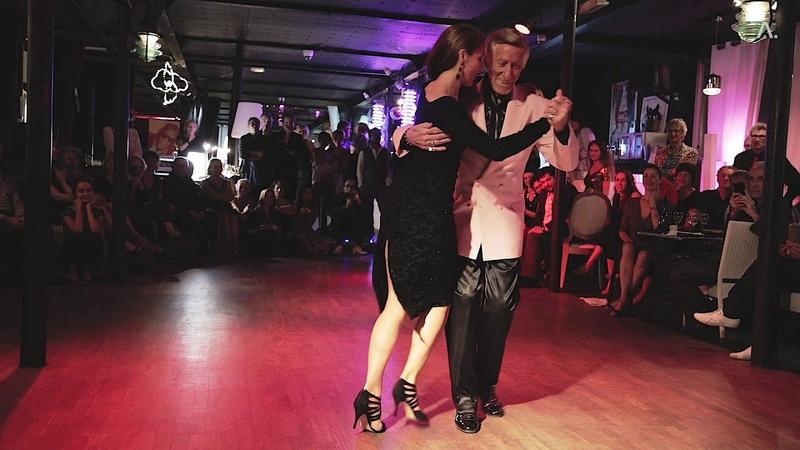 0 06 2 49 El Flaco Dany y Sandrine Navarro bailando La Milonga del Flaco Dany